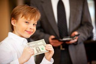 Giving-kid-money